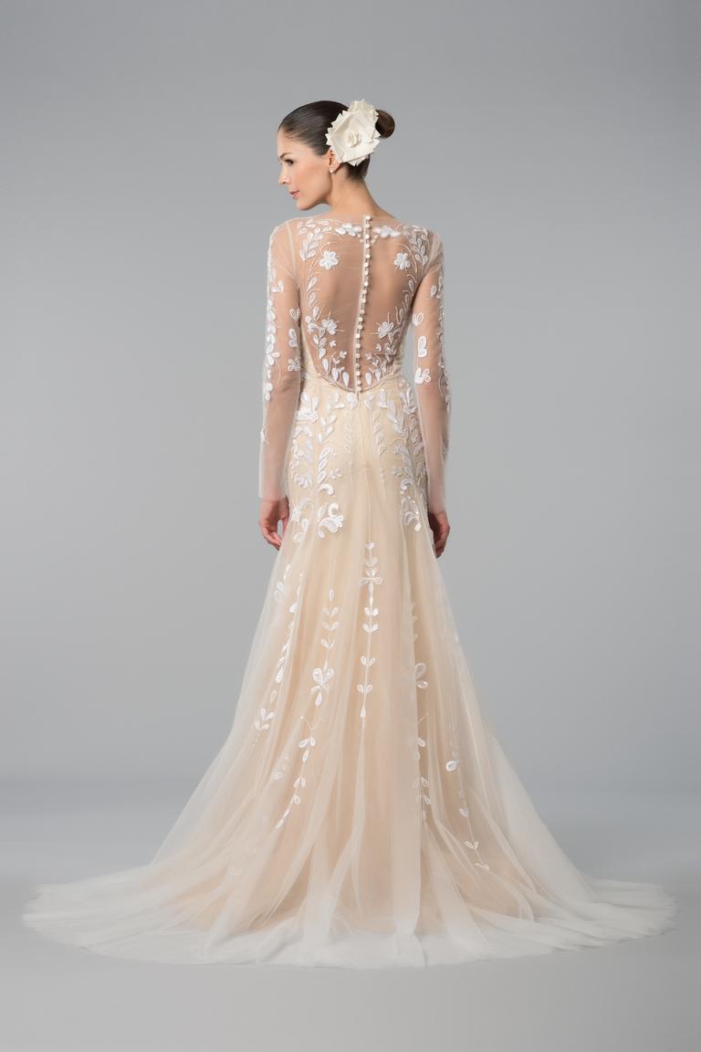 Закрытая модель свадебного платья 2016 с прозрачной спиной Carolina Herrera