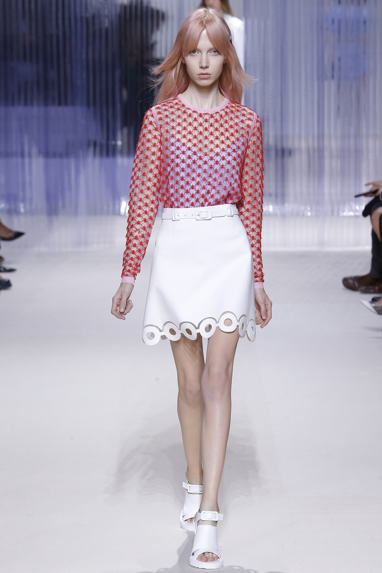 Белая модная короткая юбка 2016 – фото коллекции Carven на неделе моды в Париже весна-лето 2016