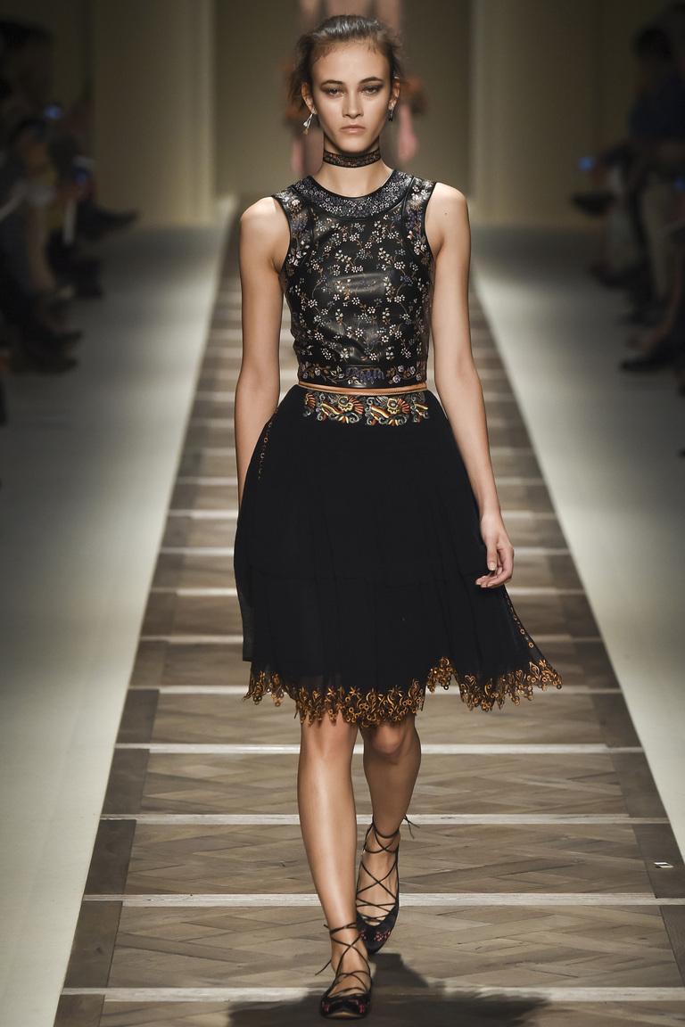 Черная пышная модная юбка 2016 – фото коллекции Etro