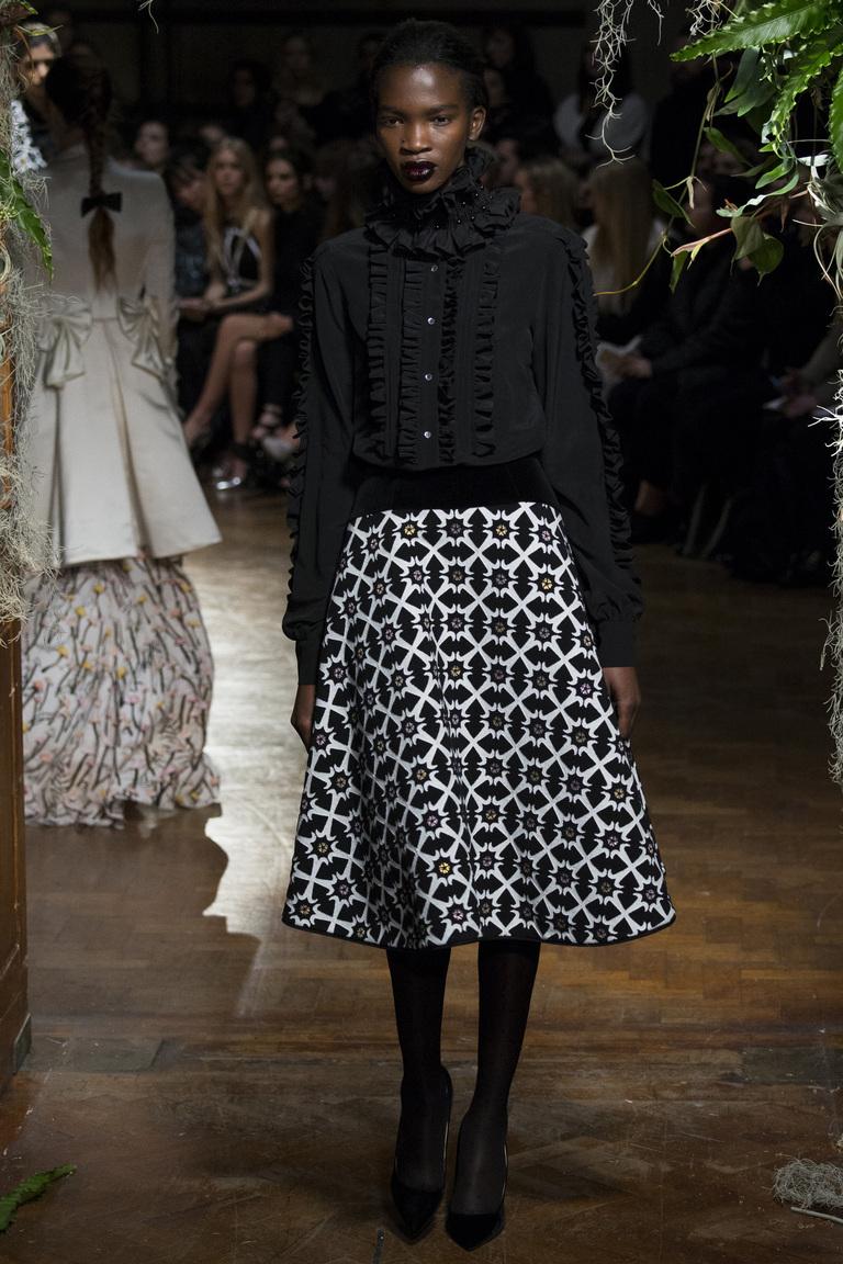 Расклешенная модная юбка 2016 с геометрическим принтом – фото новинки в коллекции Giles