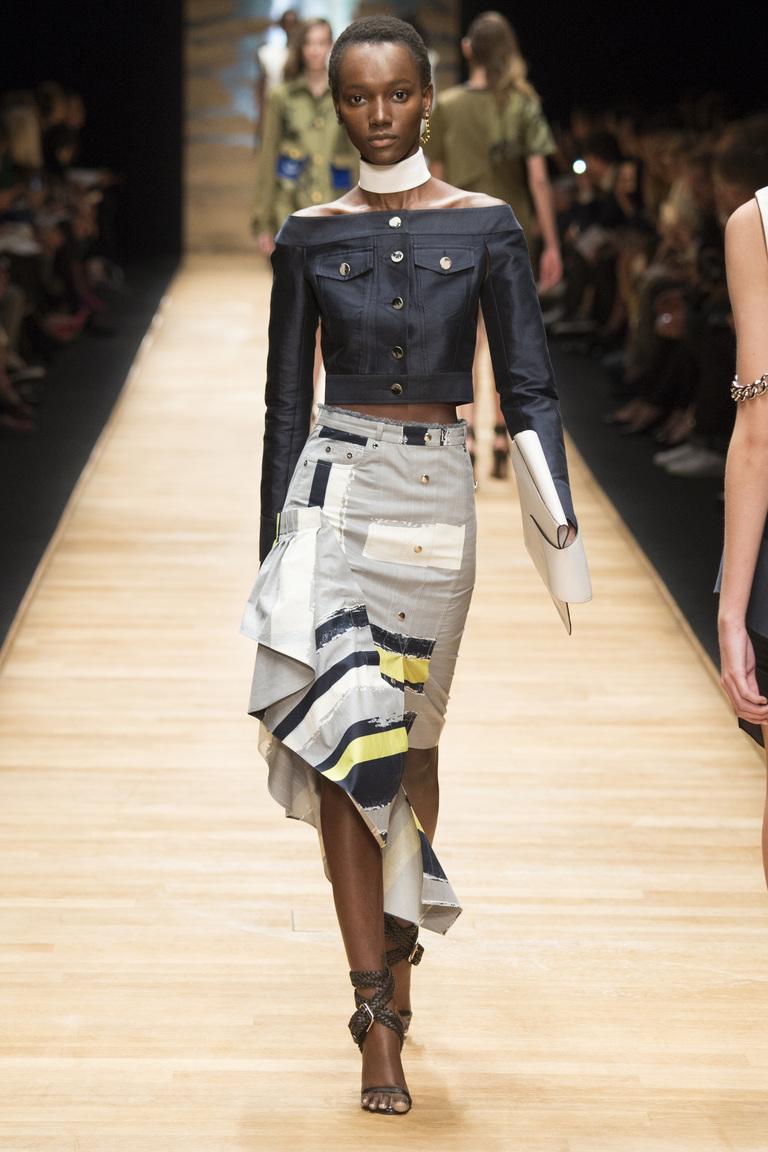 Длинная модная юбка 2016 с завышенной талией и неровными краями – фото коллекции Guy Laroche