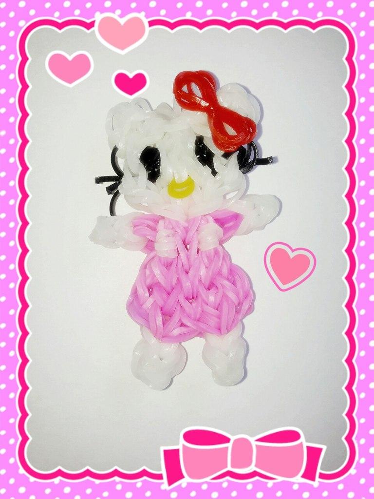 Игрушка Hello Kitty из резинок. Автор – Екатерина Латыпова
