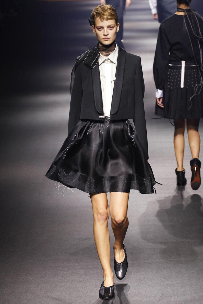 Черная пышная модная юбка 2016 – фото Lanvin на неделе моды в Париже