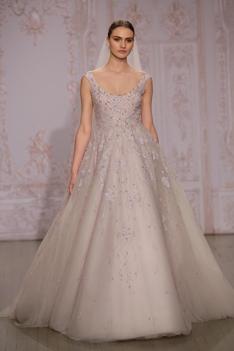 Нежно-розовое пышное свадебное платье 2016 - фото новинка от Monique Lhuillier