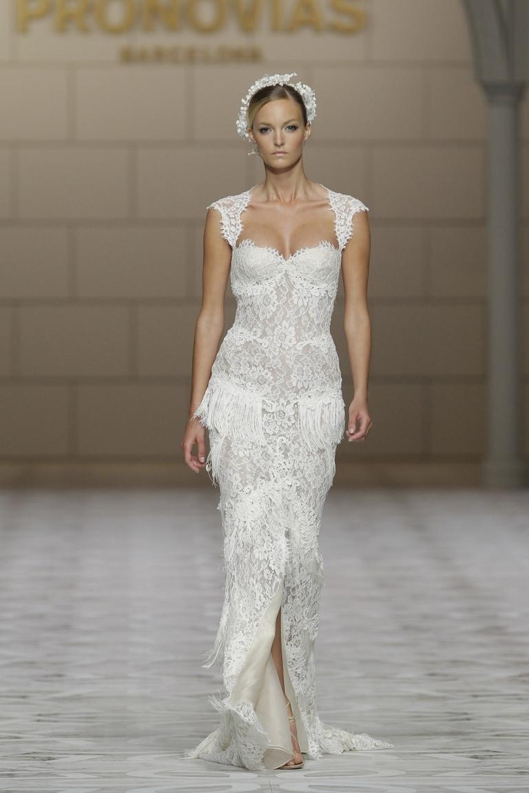 Свадебная мода 2016 - фото новинка в коллекции PRONOVIAS