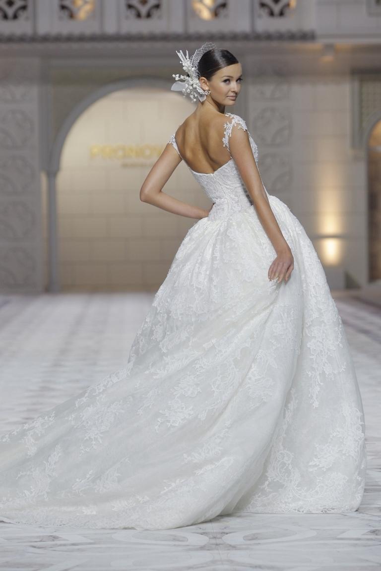 Пышное модное платье на свадьбу 2016 фото PRONOVIAS