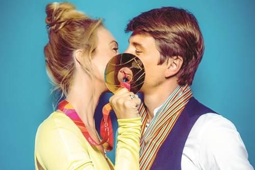Фотовыставка Поцелуи России