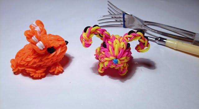 Фото: 2 друга хомяка – как плести игрушки из резинок.