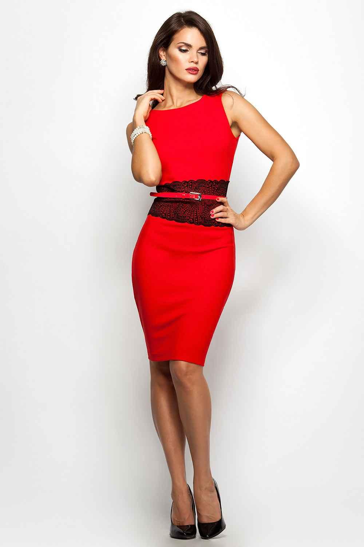 Красное платье с ажурным поясом