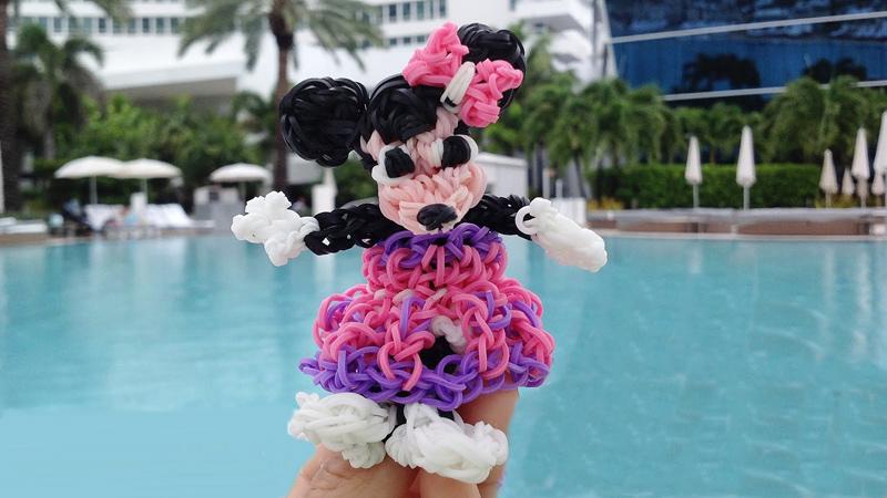 Игрушки из резинок – Микки Маус