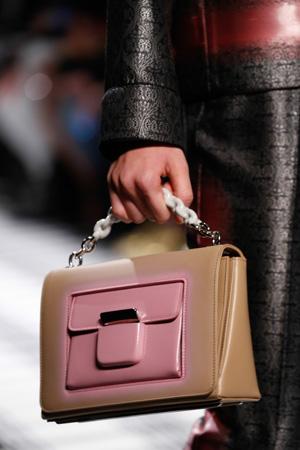 Бежевая классическая модная сумка осень-зима 2015-2016 фото – Balenciaga