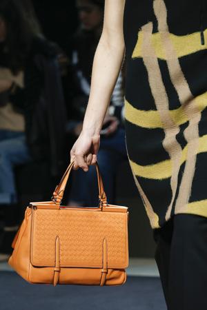 Оранжевая модная сумка осень зима 2015-2016 – Bottega Veneta