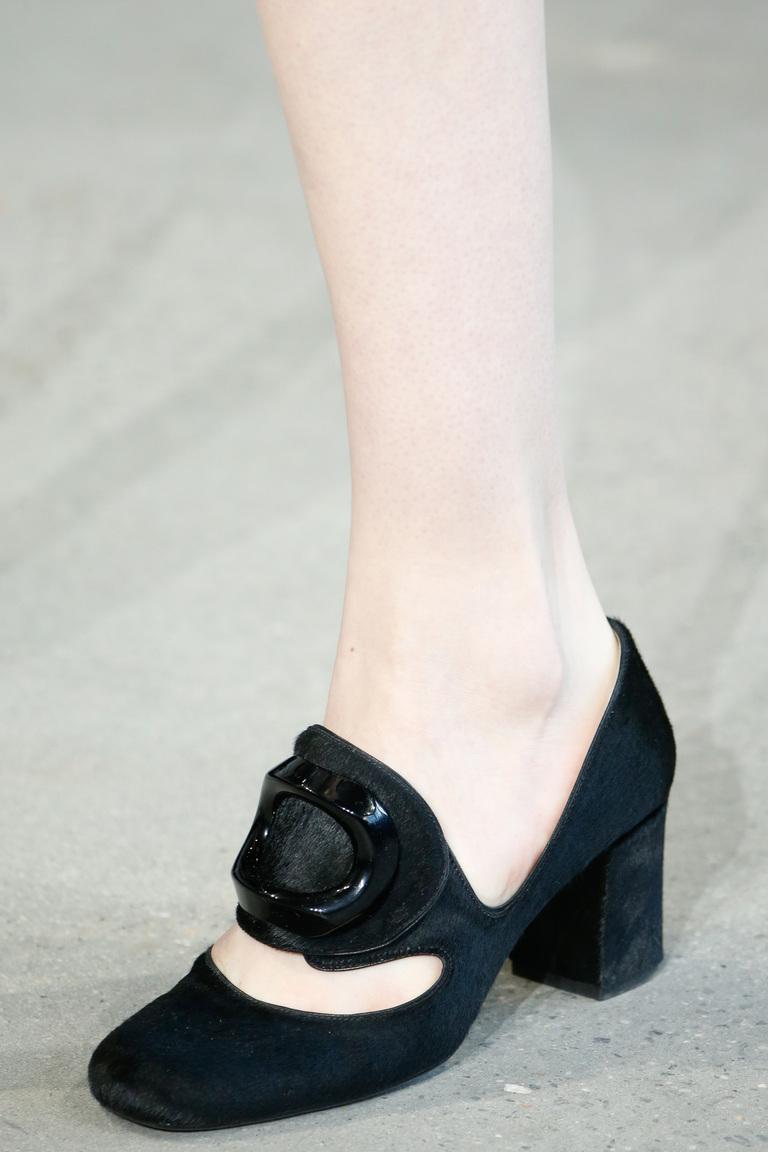 Замшевые модные туфли зима 2016 - фото новинка в коллекции Calvin Klein