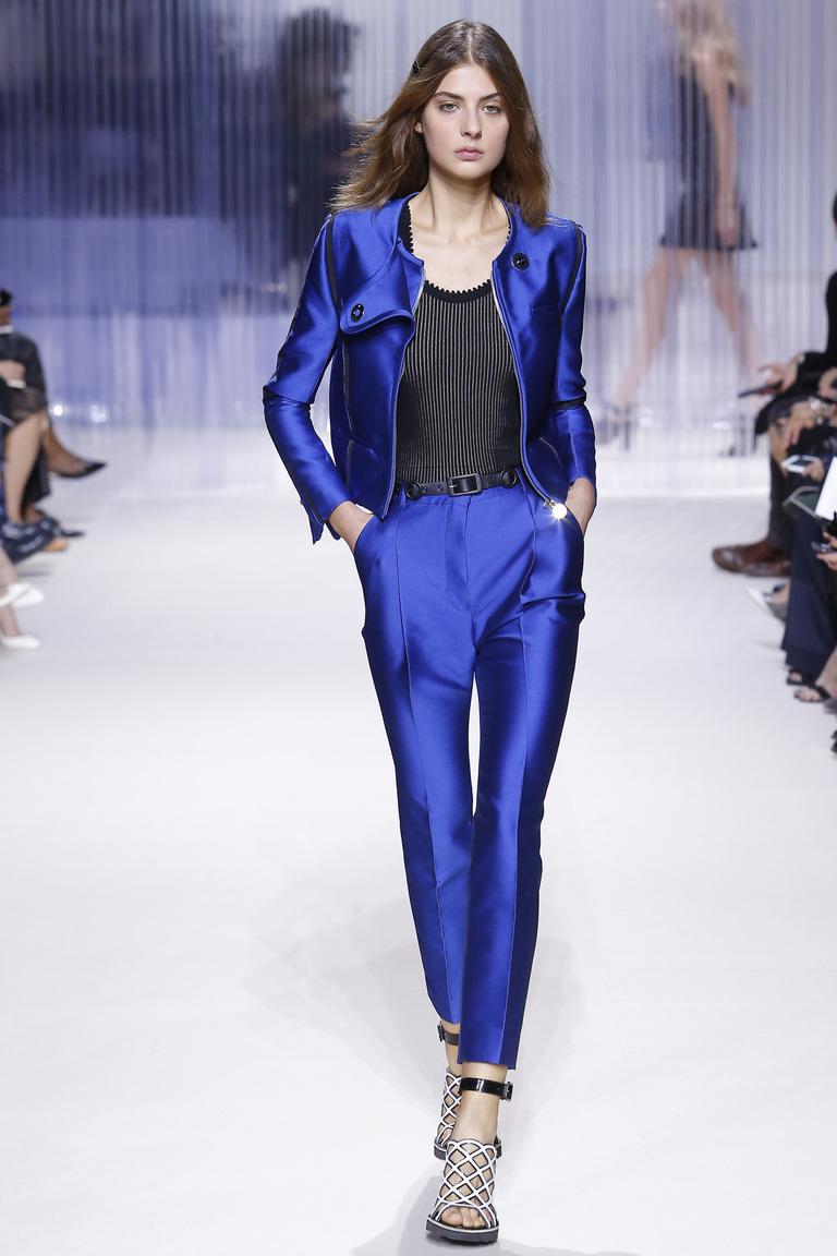 Синий модный брючный костюм – мода 2016 фото Carven