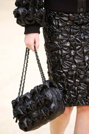Модная сумка на цепочке осень-зима 2015-2016 – фото Chanel