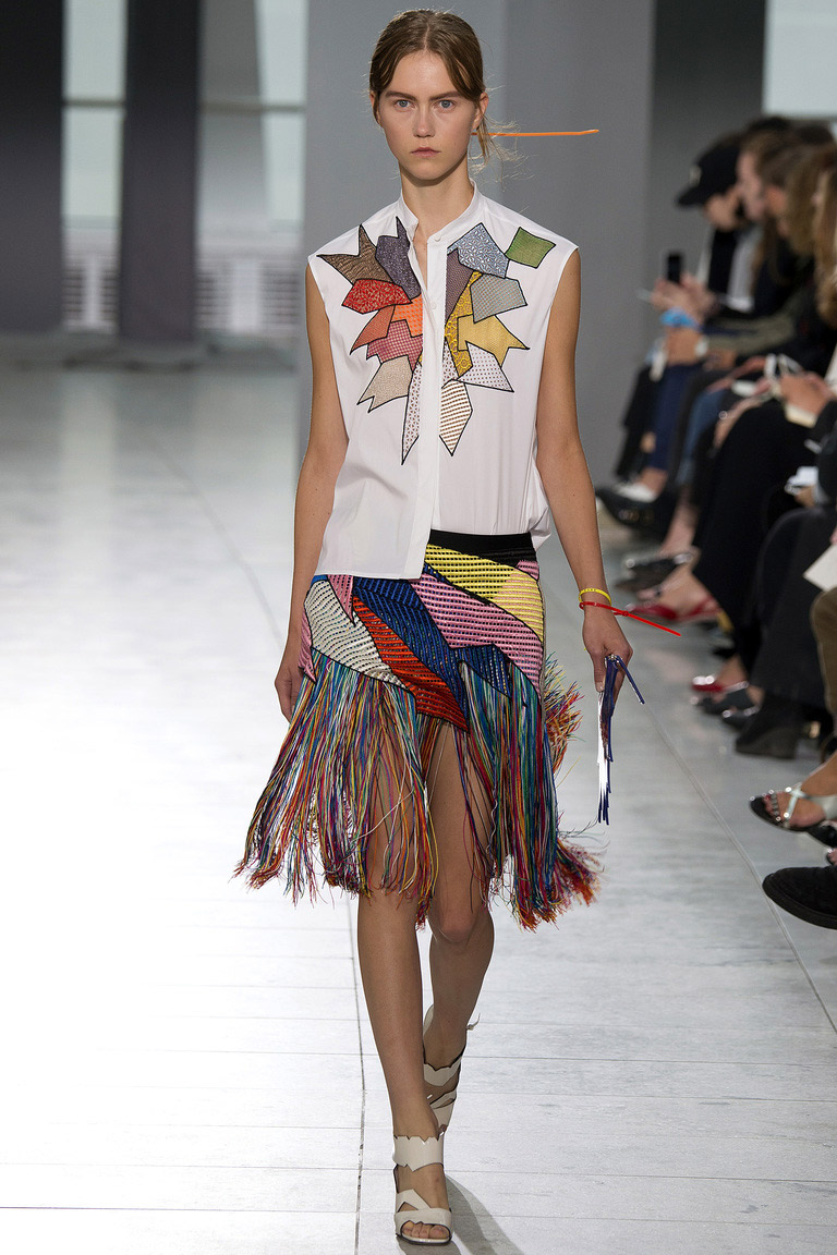 Мода 2016: юбка с бахромой – фото коллекции Christopher Kane