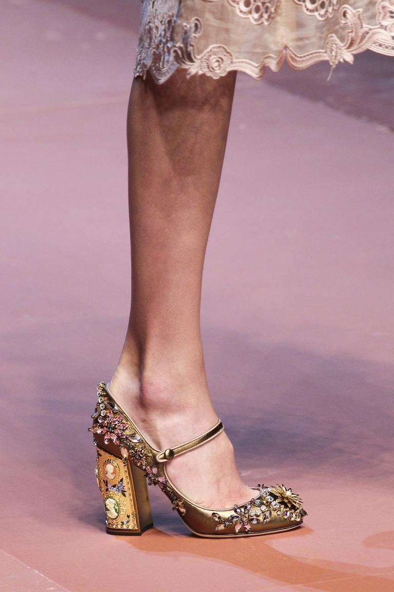 Золотые модные туфли зима 2016 - фото новинки в коллекции Dolce & Gabbana