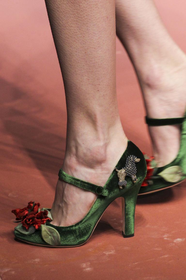 Модные зеленые туфли от Dolce & Gabbana зима 2016