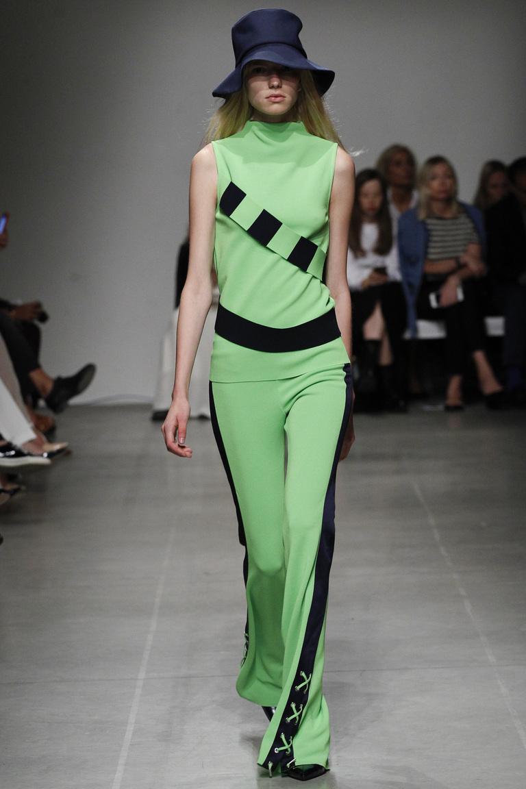 Модный тренд 2016 – брюки клеш – фото коллекции Iceberg