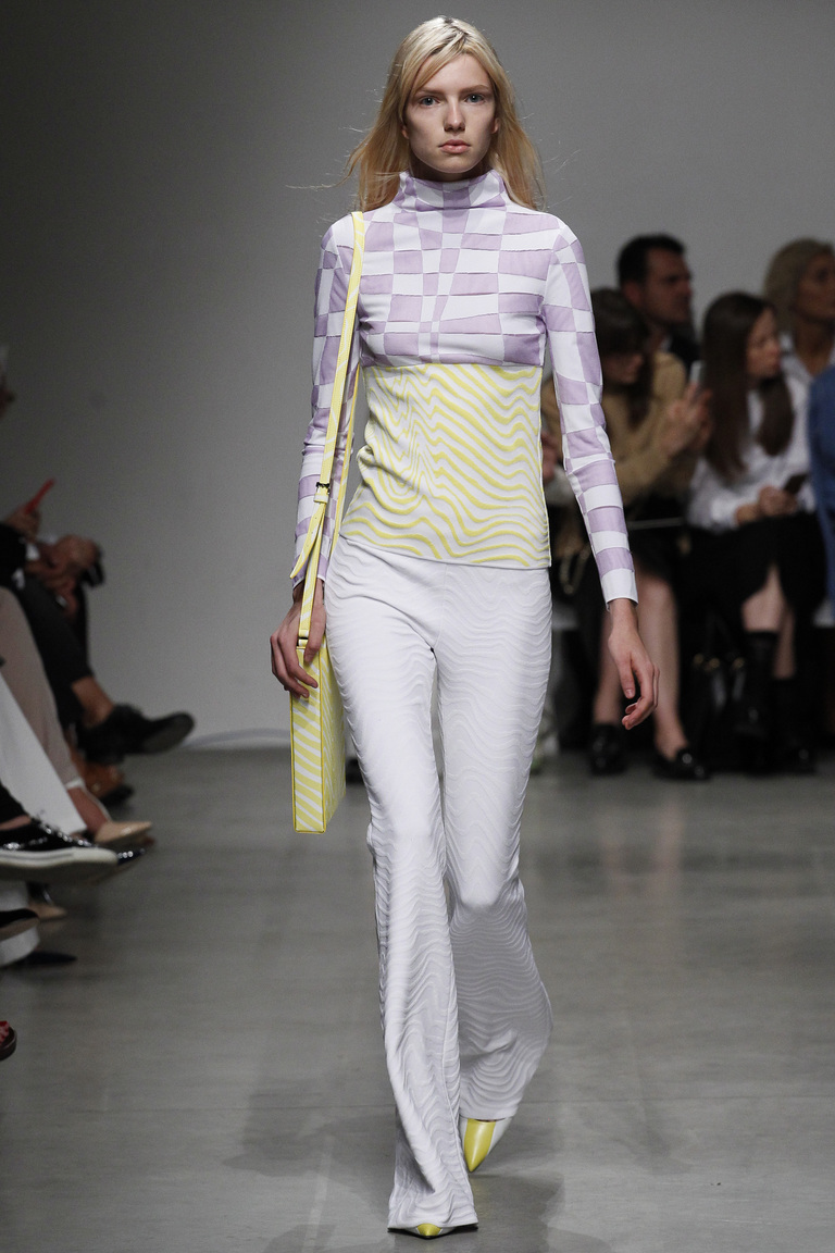 Модные брюки с клешами – фото коллекции Iceberg на показе моде в Милане 2016