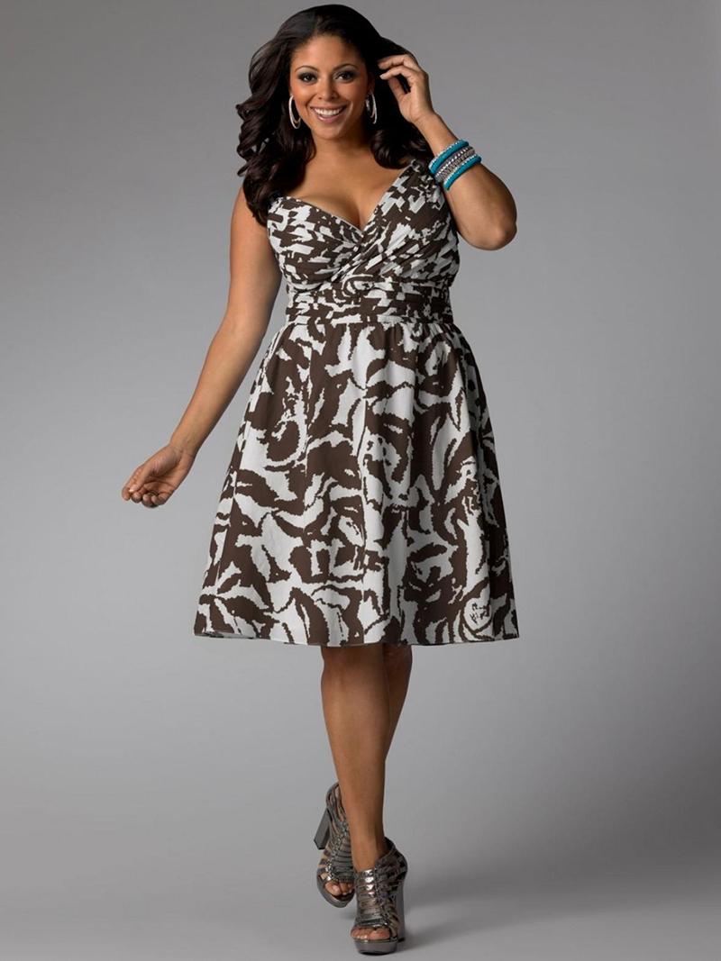 Пышное праздничное платье для полных женщин – фото новинки сезона