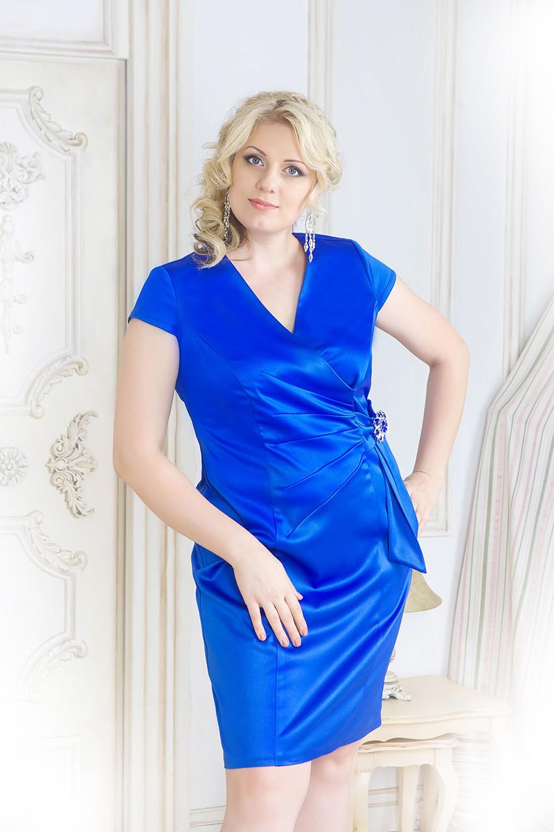 Фото новинки: синее платье футляр для полных женщин