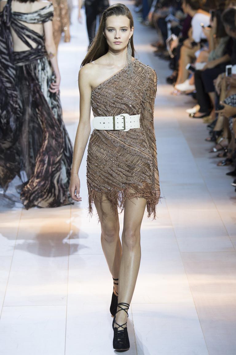 Модное платье на одно плечо с бахромой – фото коллекции Roberto Cavalli
