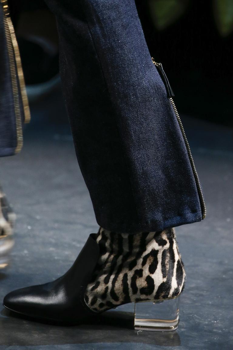 Модная обувь с леопардовыми вставками осень 2015 и зима 2016 – фото новинка в коллекции Roberto Cavalli