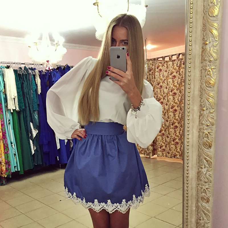 Фото новинка: модное бело-синее платье с пышной юбкой