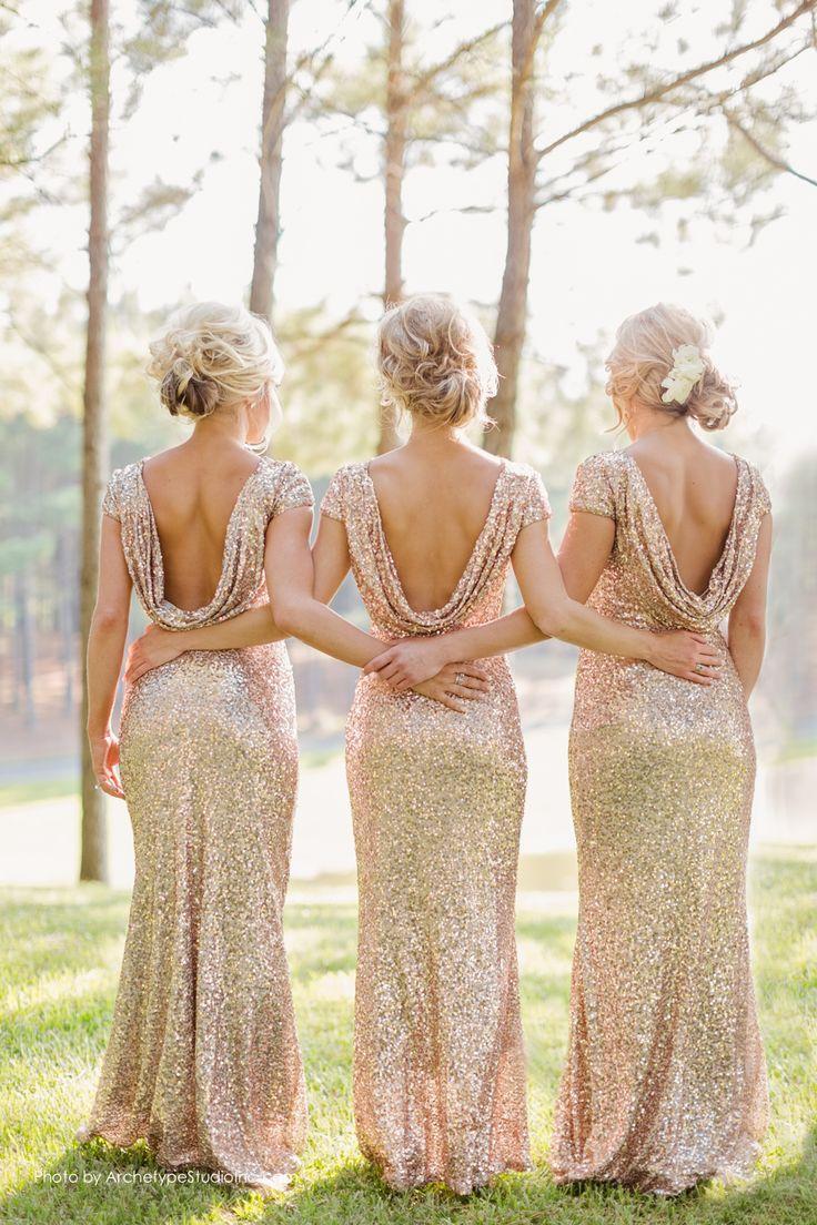 Фасоны золотого платья - фото новинки сезона