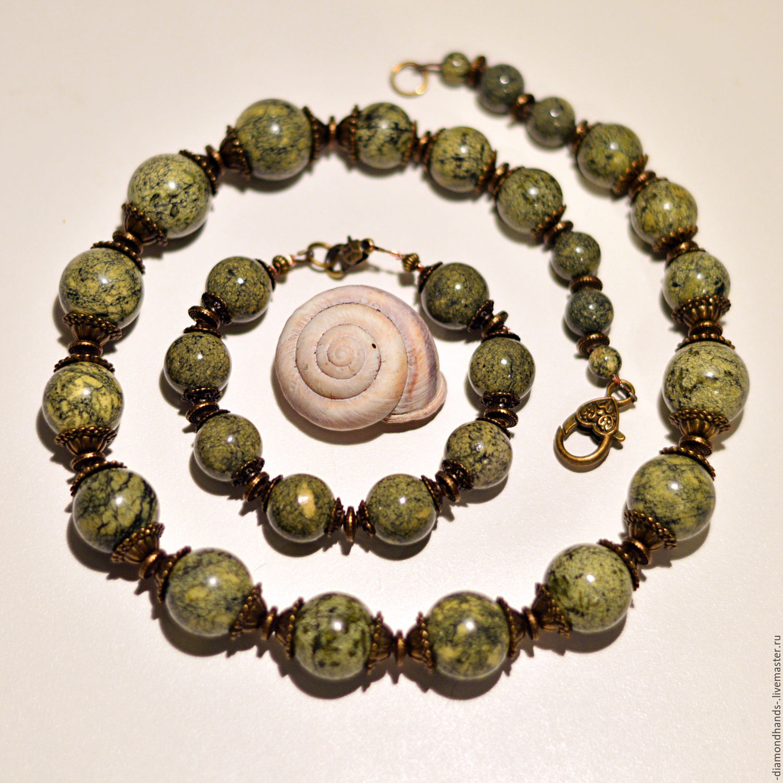 Змеевик: камень гармонии души. Фото и свойства змеевика
