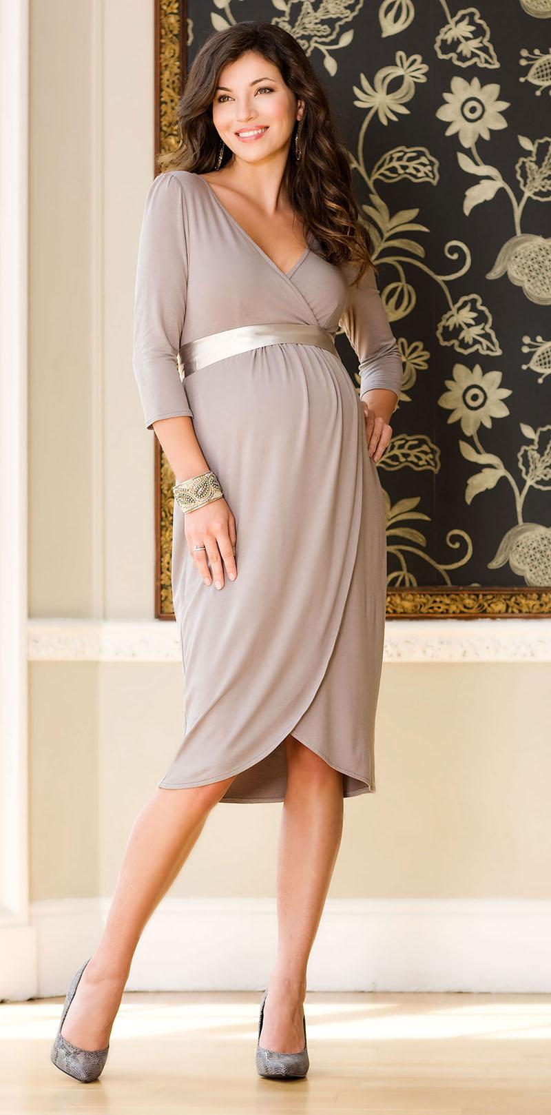 Нежное и очень красивое платье для беременных платьев – фото новинки сезона