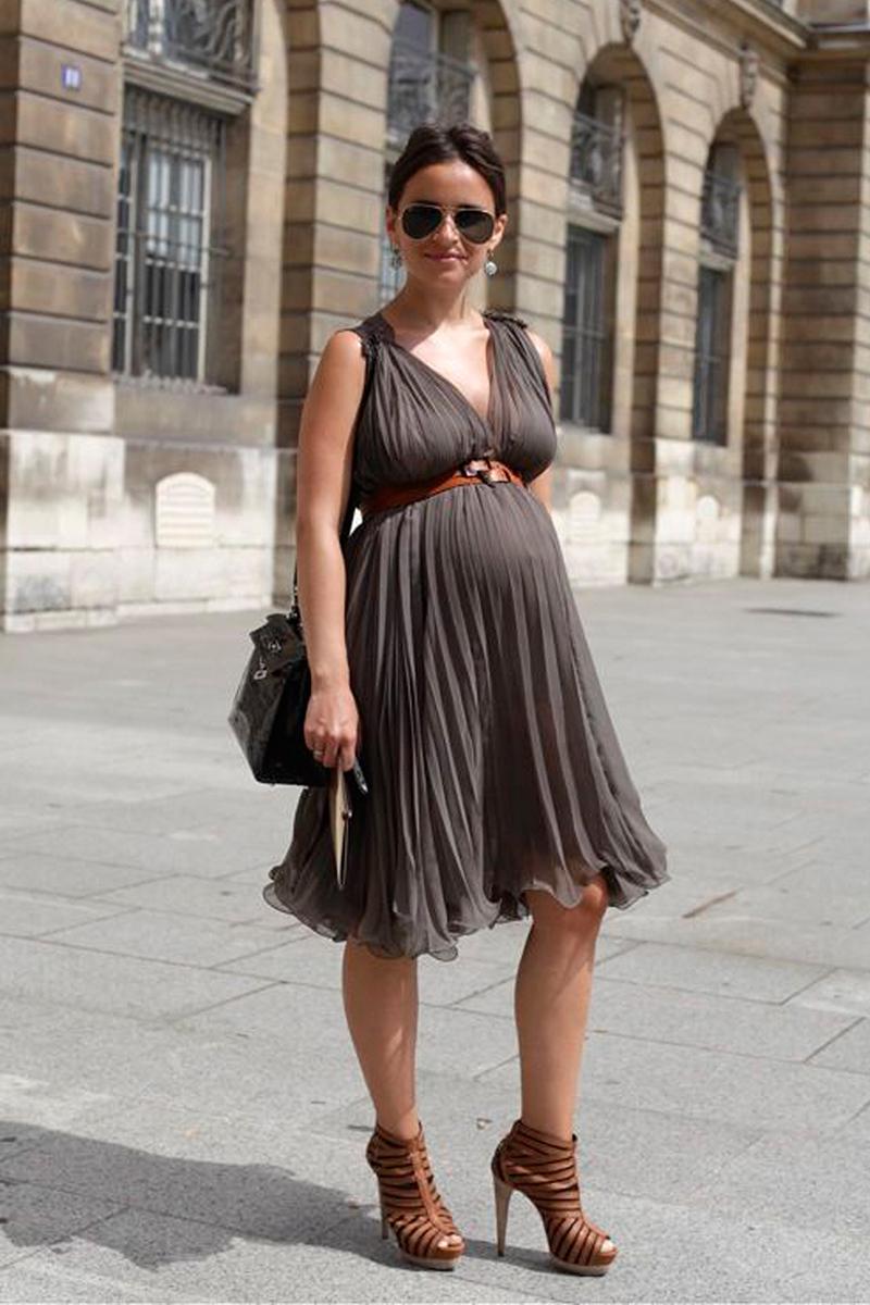 Праздничное платье для беременных – фото новинки сезона