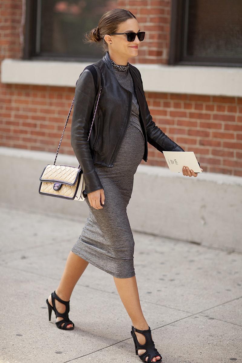 Фасон длинного платья для беременных на каждый день – фото новинки сезона
