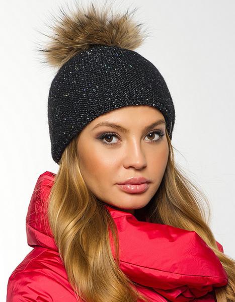 Фото модной шапки зима 2016 с помпоном