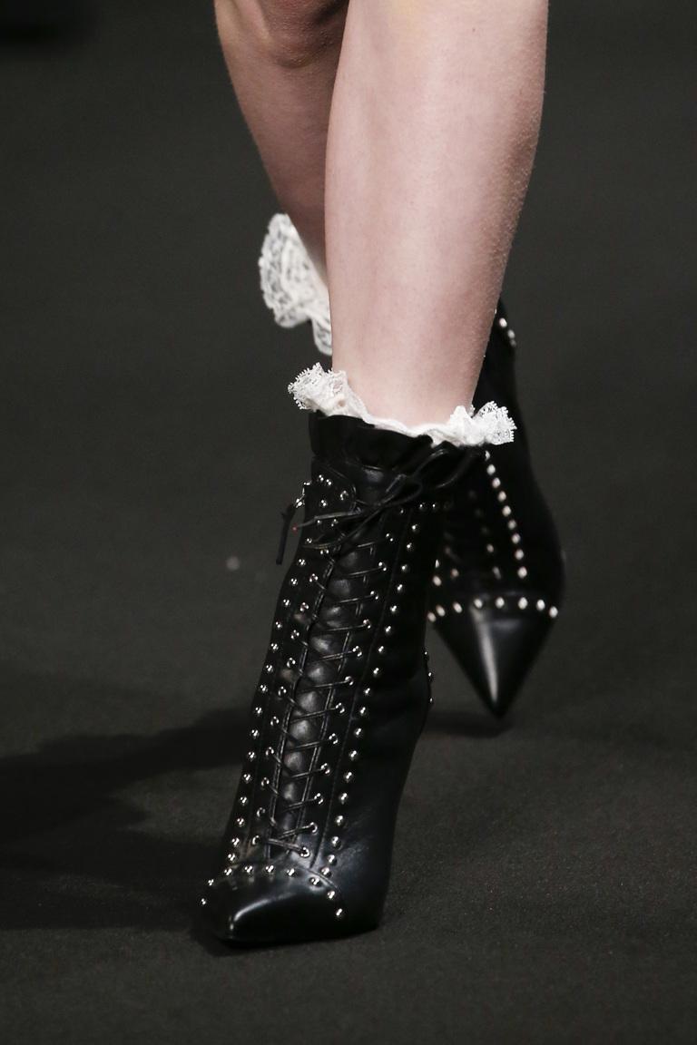Модные сапоги со шнуровкой осень2015 и зима 2016 – фото новинка от Altuzarra