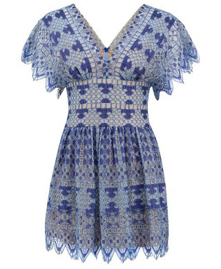 Синее кружевное платье BCBG от Maxazria