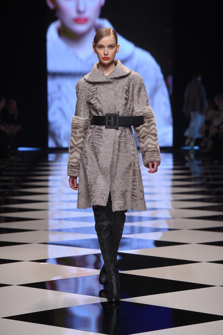 Серая модная шуба осень 2015 - зима 2016 - фото новинка в коллекции Braschi