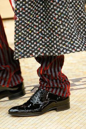 Модные лакированные туфли осень-зима 2015-2016 фото Chanel