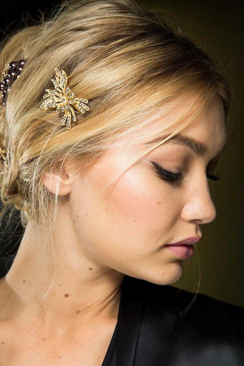 Прически с модным светлым цветом волос сезона осень 2015 и зима 2016