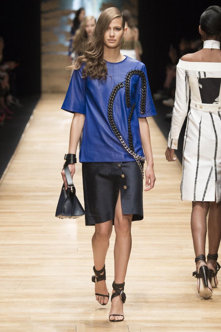Синяя модная кофта 2016 – фото коллекции Guy Laroche