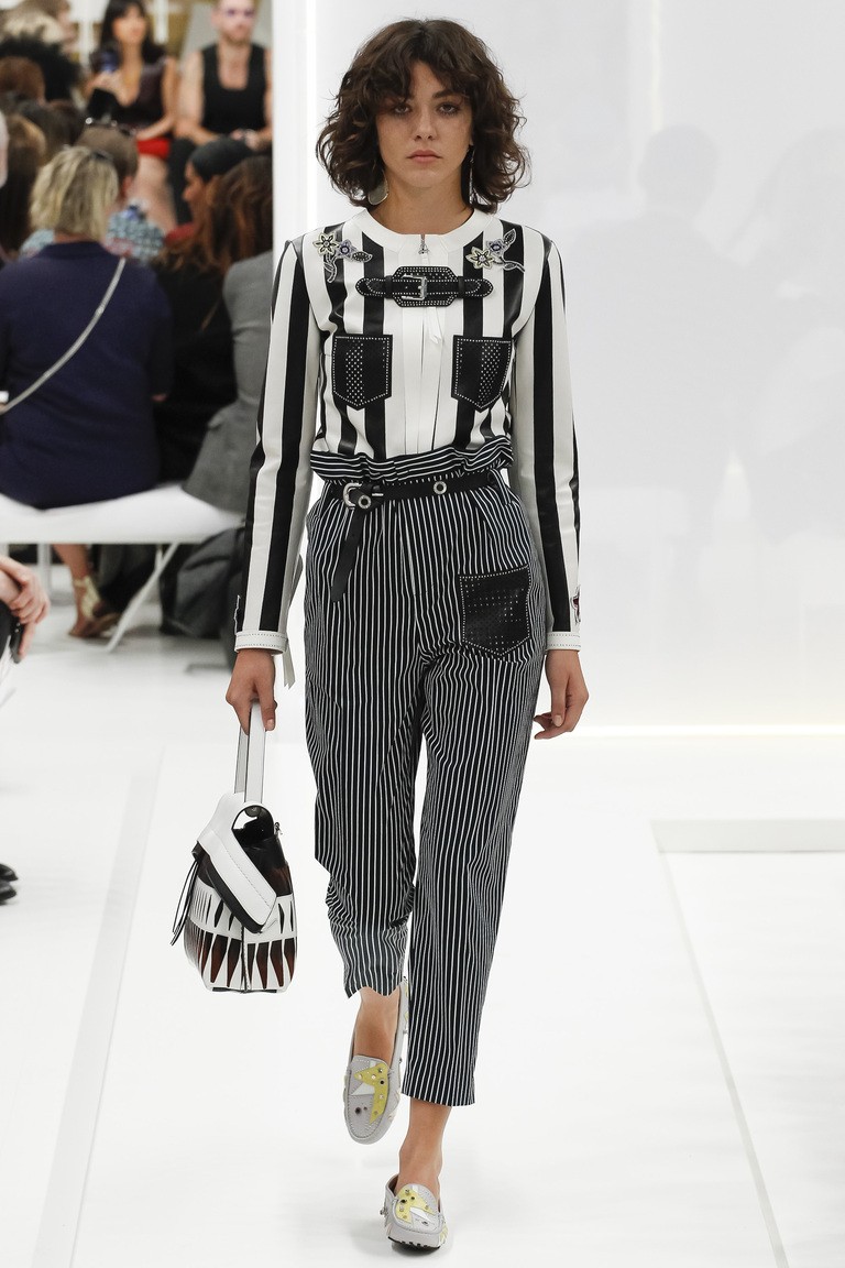 Модная кофта 2016 в полоску – фото коллекции Tods на неделе моды в Милане весна-лето 2016