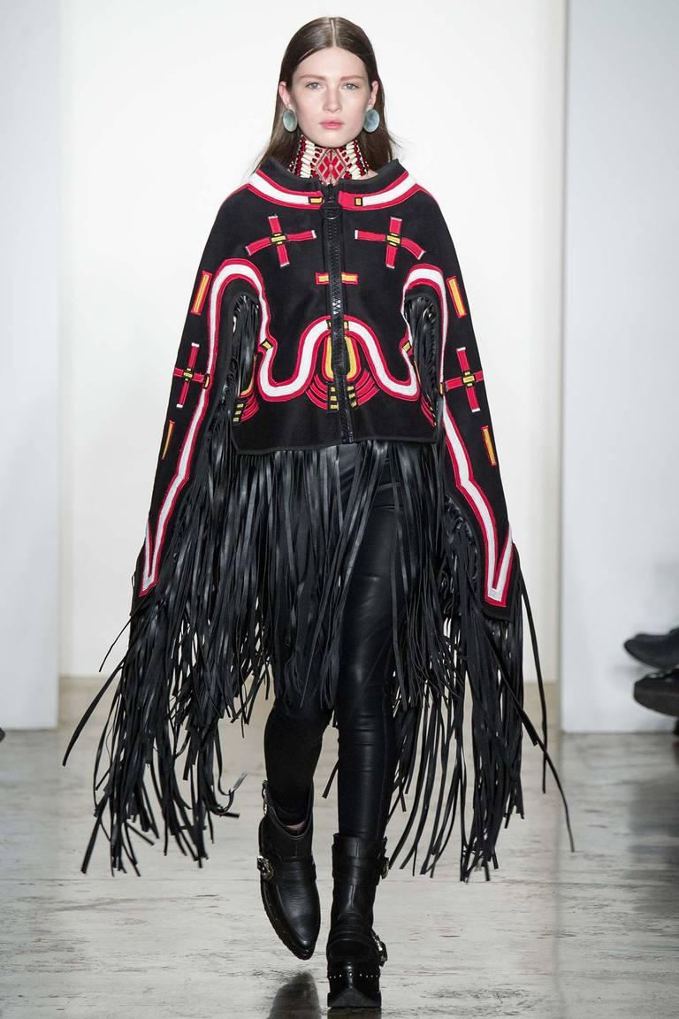 Модное пончо 2016 с бахромой – фото KTZ