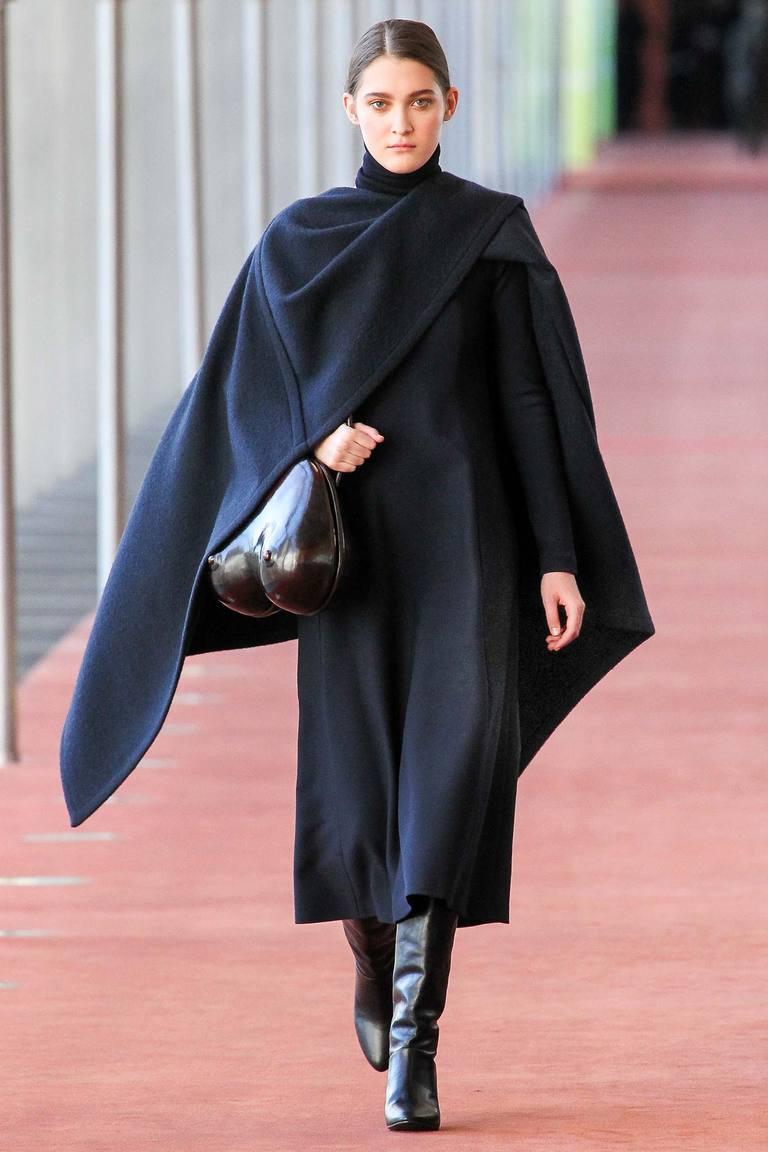 Модная накидка-пончо 2016 – фото Lemaire