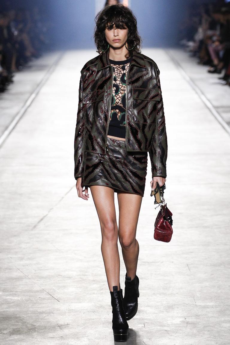 Модная кожаная куртка 2016 – фото коллекции Versace