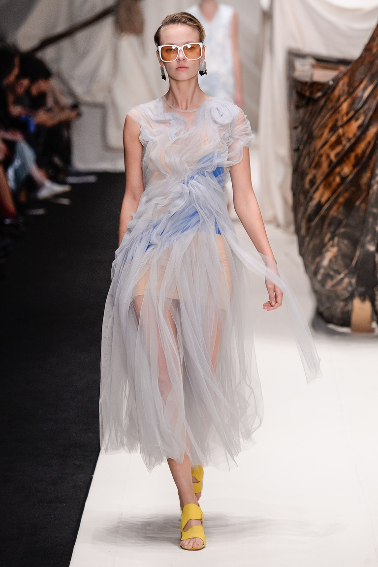 Пышное коктейльное модное платье 2016 – фото новинки от Alena Akhmadullina