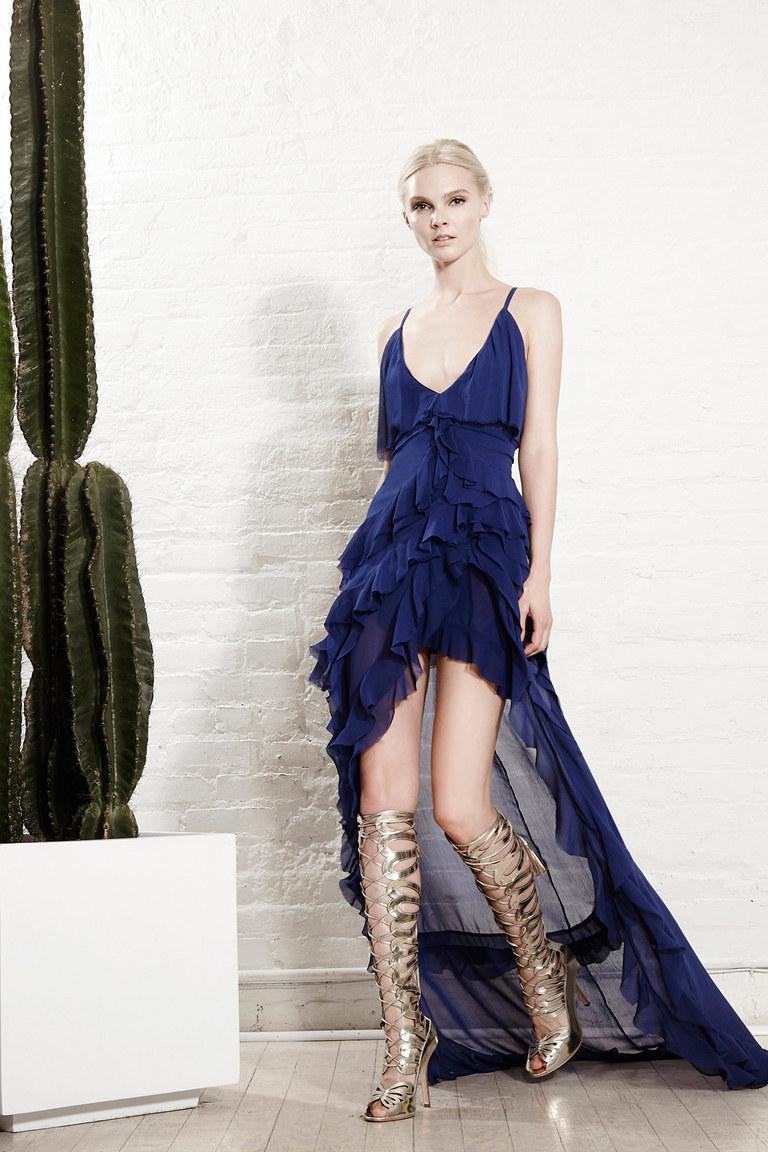 Синее модное коктейльное платье 2016 – фото новинки от Alice+Olivia