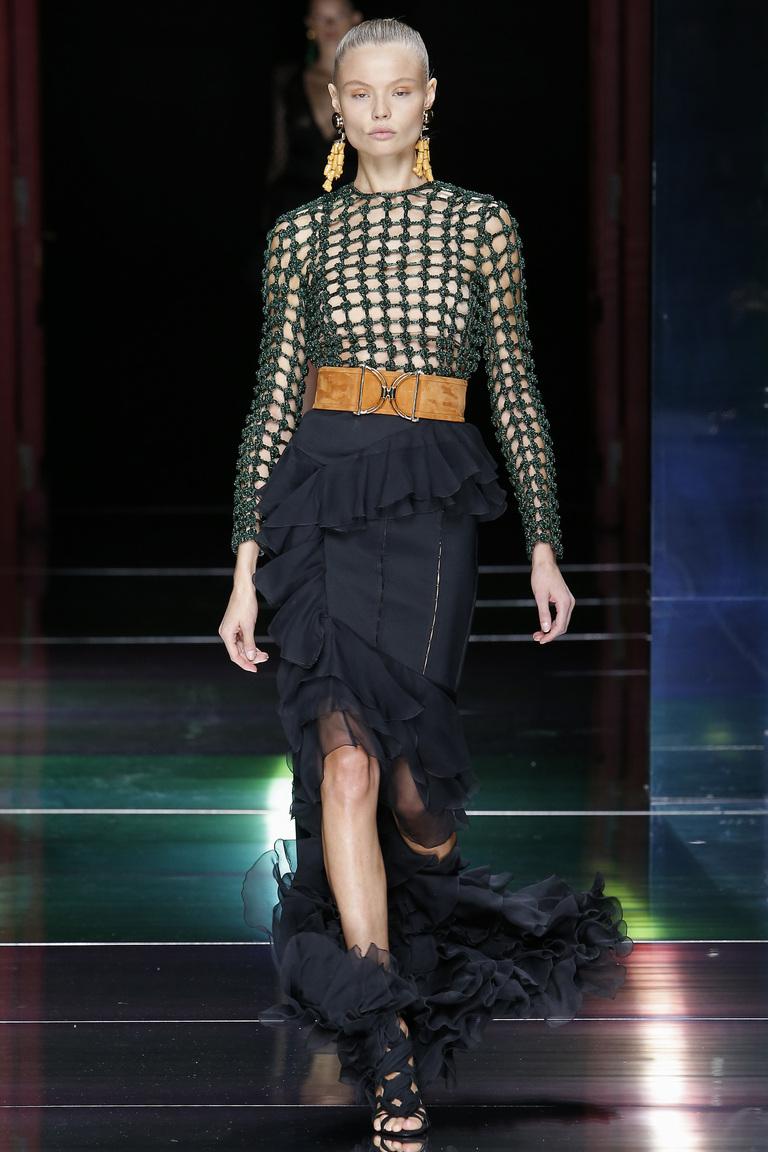 Модная длинная юбка 2016 с декором рюшами – фото коллекция Balmain