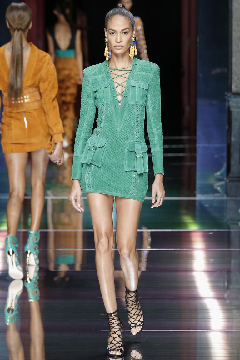 Роскошное бирюзовое модное короткое платье 2016 – фото новинки от Balmain
