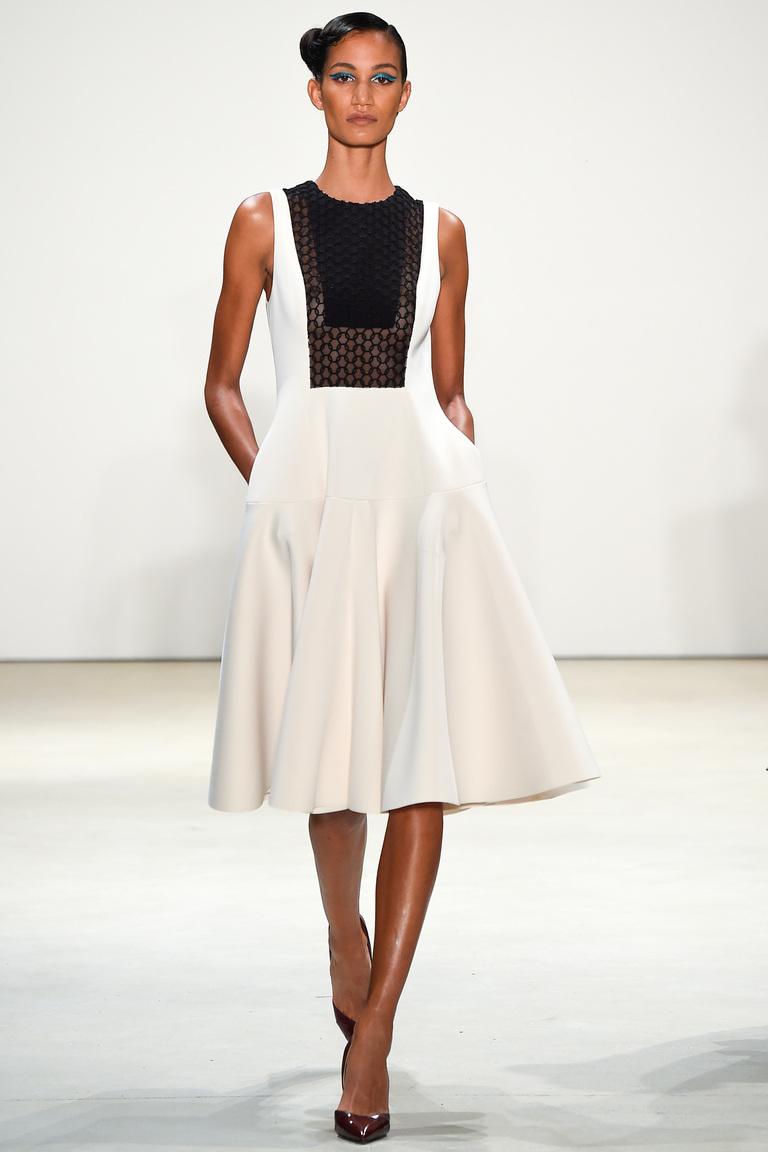 Модное короткое платье 2016 с широкой юбкой – фото новинки в коллекции Bibhu Mohapatra
